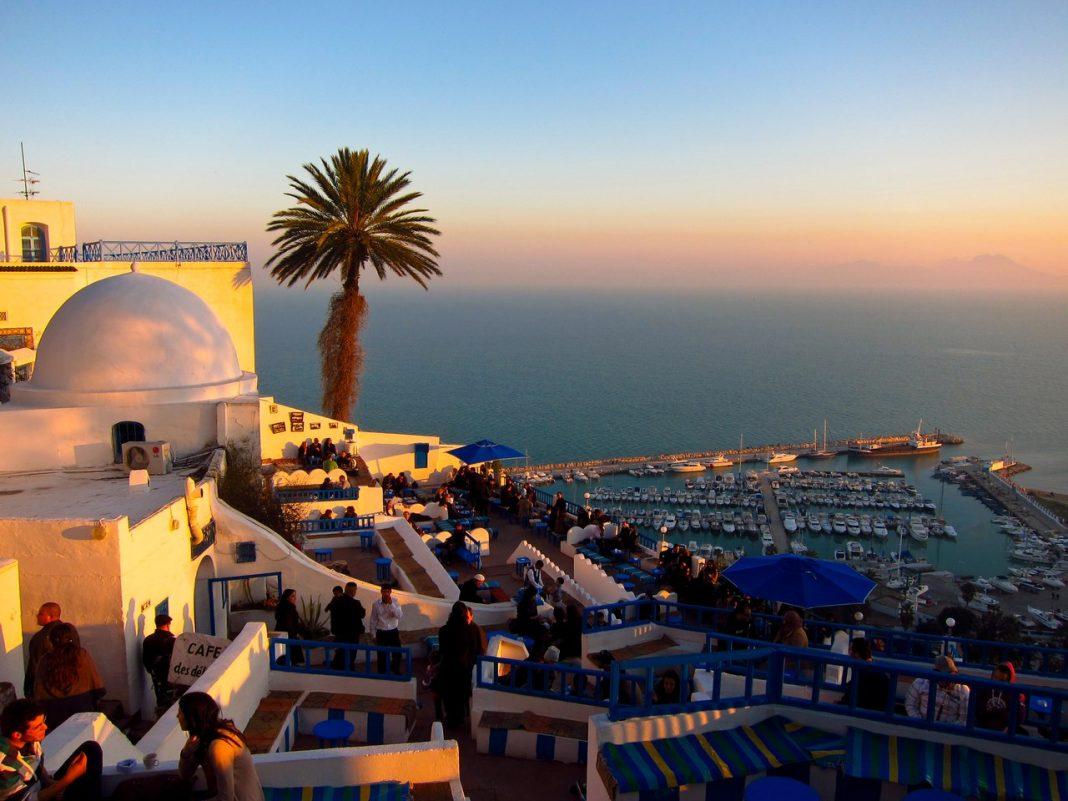 Тунис — древняя страна на средиземноморском побережье Африки