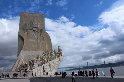 памятник мореплавателям